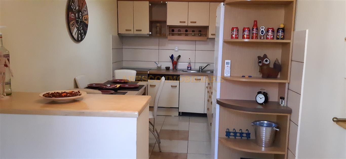 For rent an apartment with 2 rooms located in the central area - AR11645